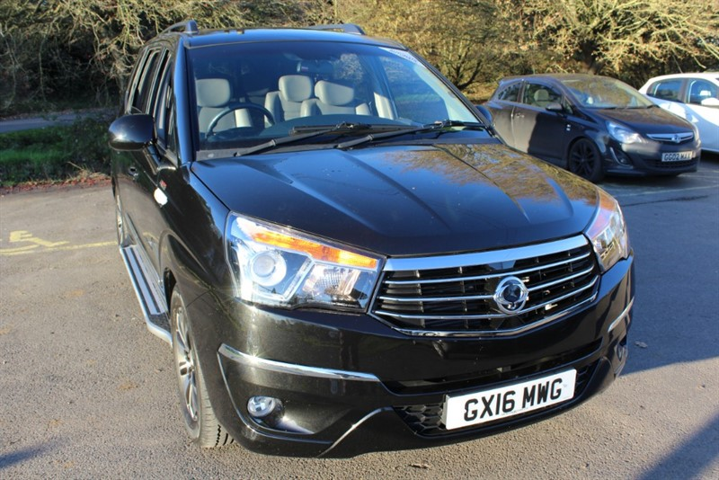 used Ssangyong Turismo 2.2D ELX AUTO in virginia-water