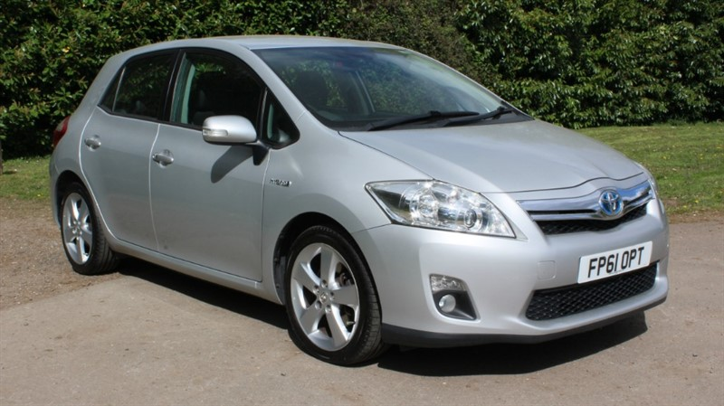 used Toyota Auris 1.8 T SPIRIT HYBRID CVT in virginia-water