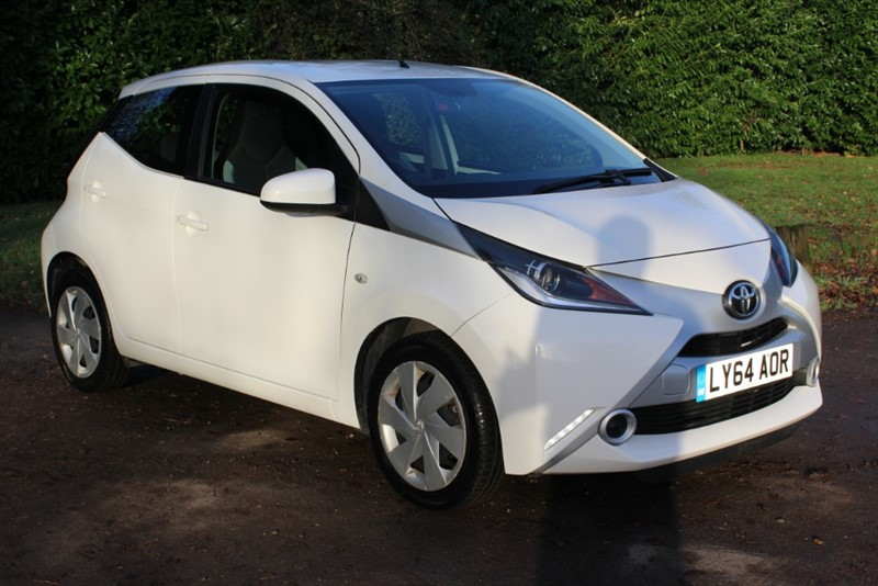 used Toyota Aygo 1.0 VVT-I X-PLAY in virginia-water