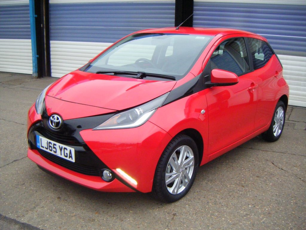 used red toyota aygo for sale surrey. Black Bedroom Furniture Sets. Home Design Ideas