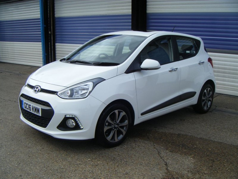 used Hyundai i10 PREMIUM SE in surrey