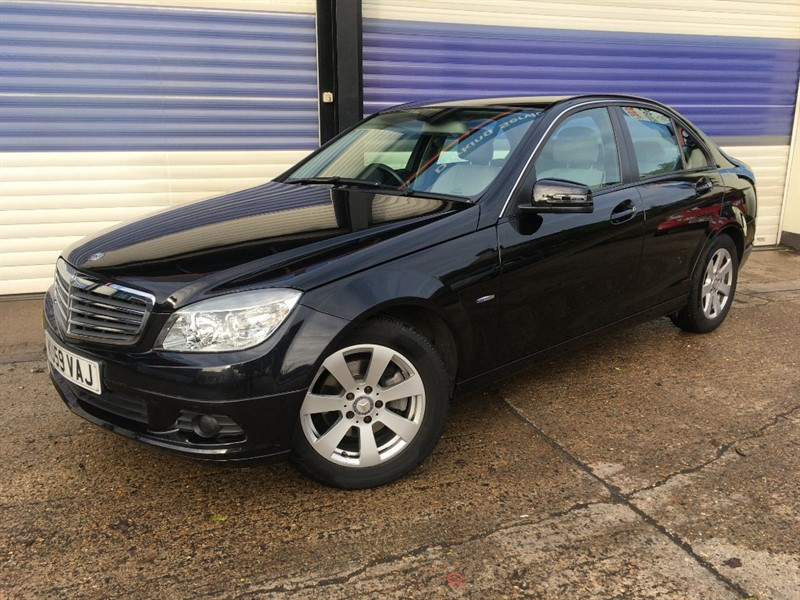 used Mercedes C180 KOMPRESSOR BLUEEFFICIENCY SE in surrey