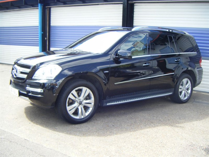 used Mercedes GL -CLASS GL350 CDI BLUEEFFICIENCY in surrey