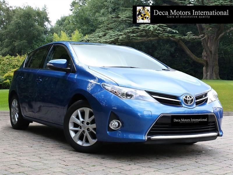 "used Toyota Auris DUAL VVT-I ICONReversing camera""   in London"