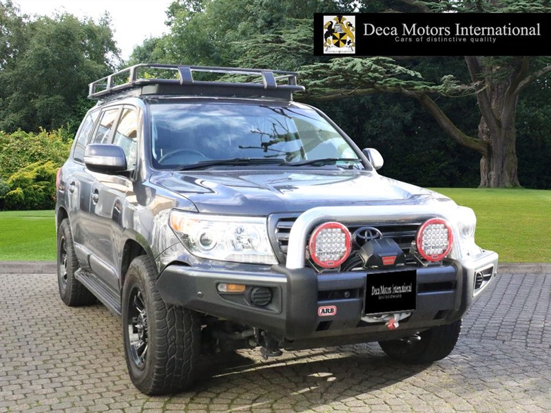 "used Toyota Land Cruiser V8 D-4D V8 ""12K WORTH OF OFF-ROADING EQUIPMENT"" in London"