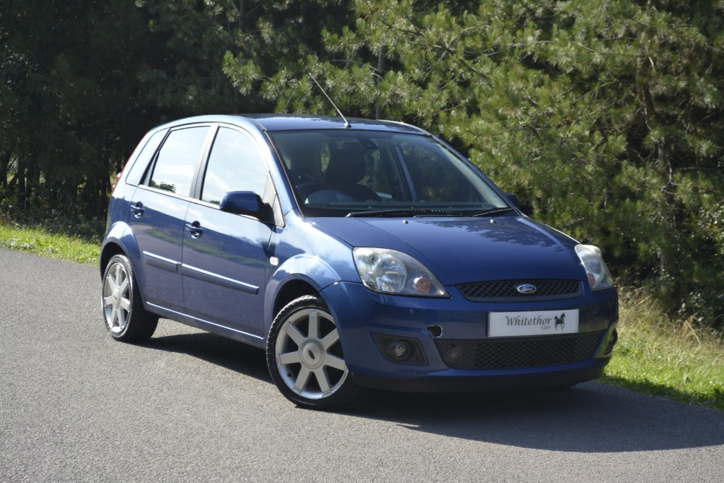 used Ford Fiesta ZETEC BLUE in leicestershire