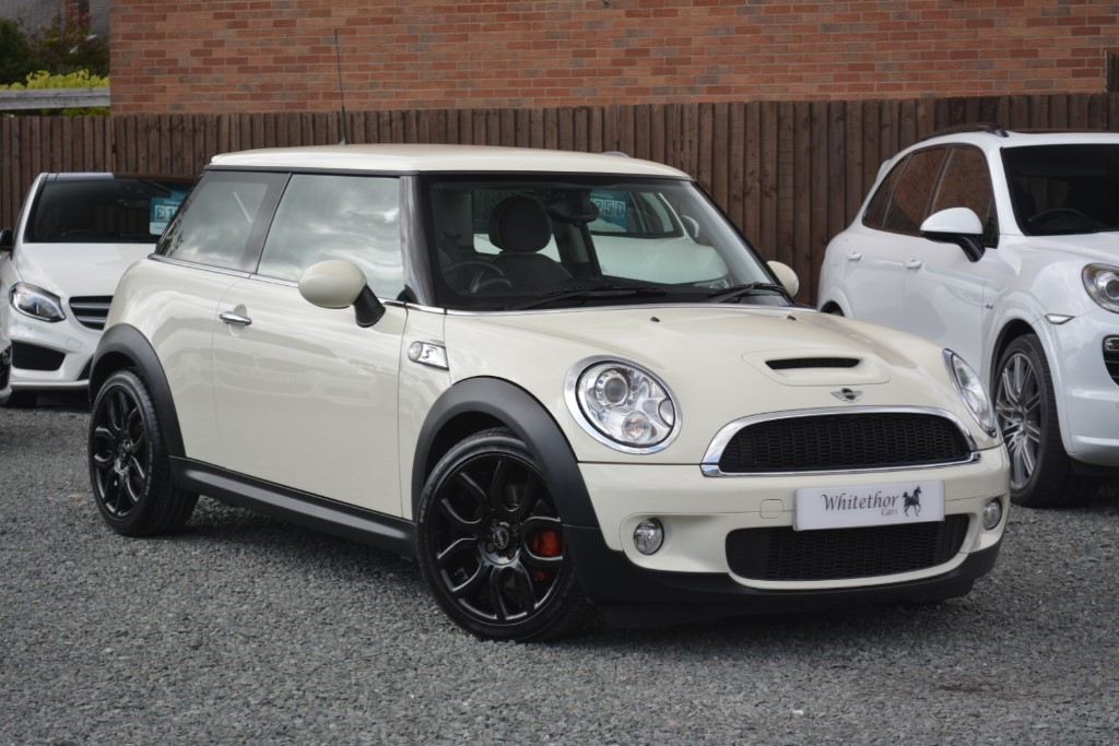 used MINI Hatch COOPER S in leicestershire