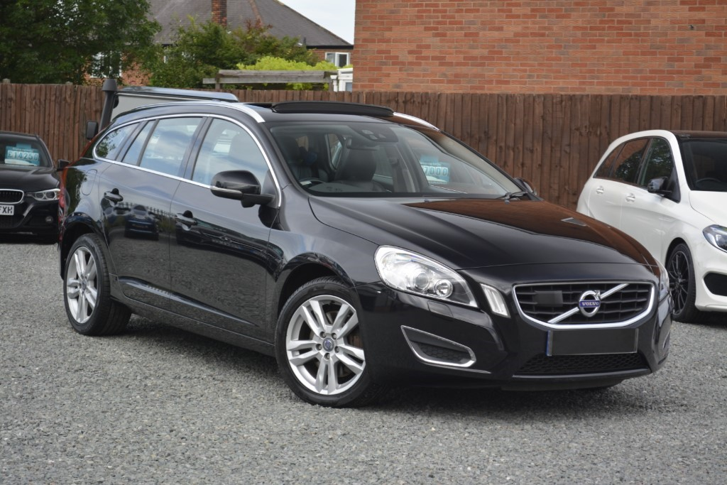 used Volvo V60 D5 SE LUX NAV in leicestershire