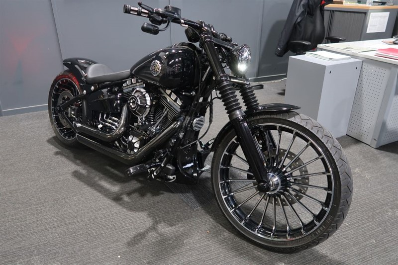 used Harley-Davidson SOFTAIL FXSB Breakout 1690 Custom in louth