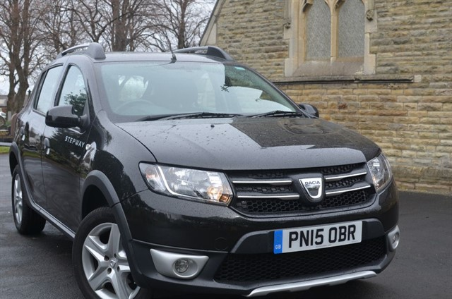 used Dacia Sandero STEPWAY LAUREATE TCE in warrington