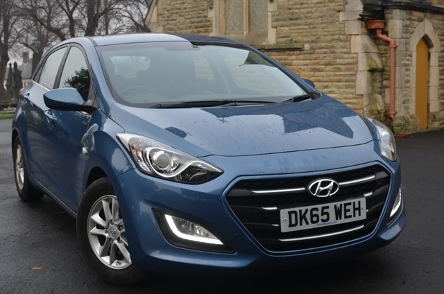 used Hyundai i30 CRDI SE BLUE DRIVE in warrington