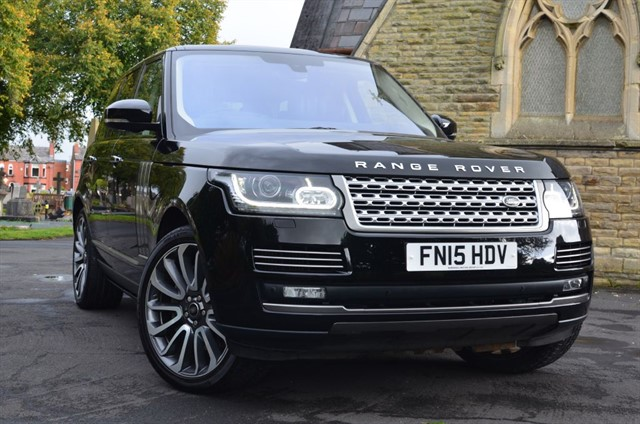 used Land Rover Range Rover SDV8 VOGUE SE in warrington