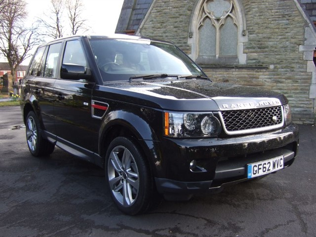 used Land Rover Range Rover Sport SDV6 HSE RED in warrington