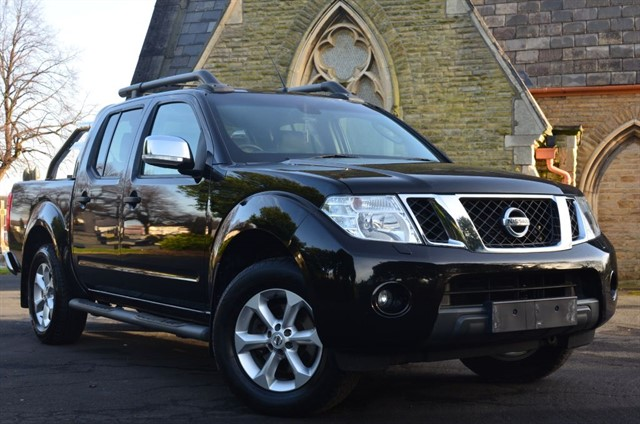 used Nissan Navara DCI TEKNA 4X4 SHR DCB in warrington