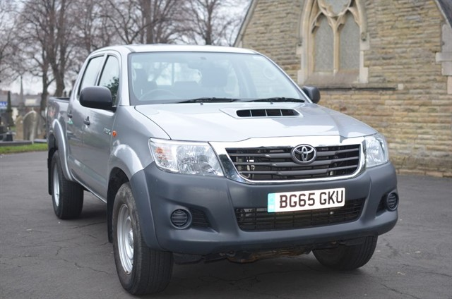 used Toyota  HI-LUX ACTIVE 4X4 D-4D DCB in warrington