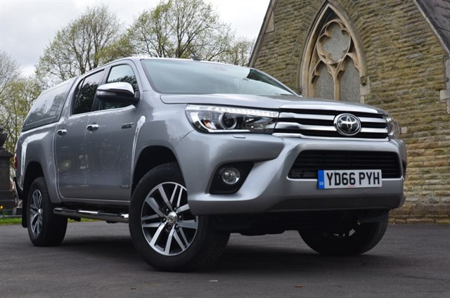 used Toyota Hilux HI-LUX INVINCIBLE 4WD D-4D DCB in warrington