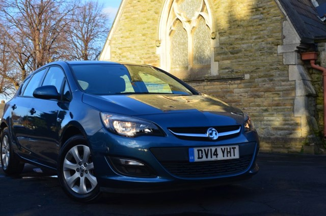 used Vauxhall Astra DESIGN in warrington