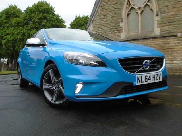 used Volvo V40 T2 R-DESIGN in warrington