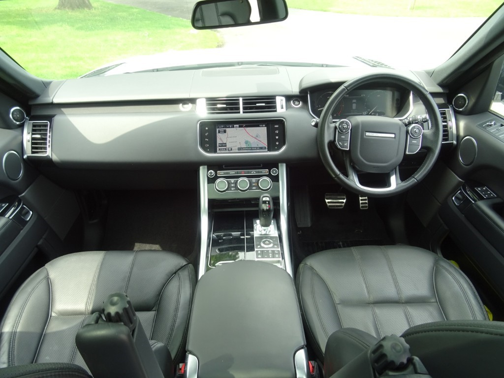 Used Fuji White Land Rover Range Rover Sport For Sale | Essex