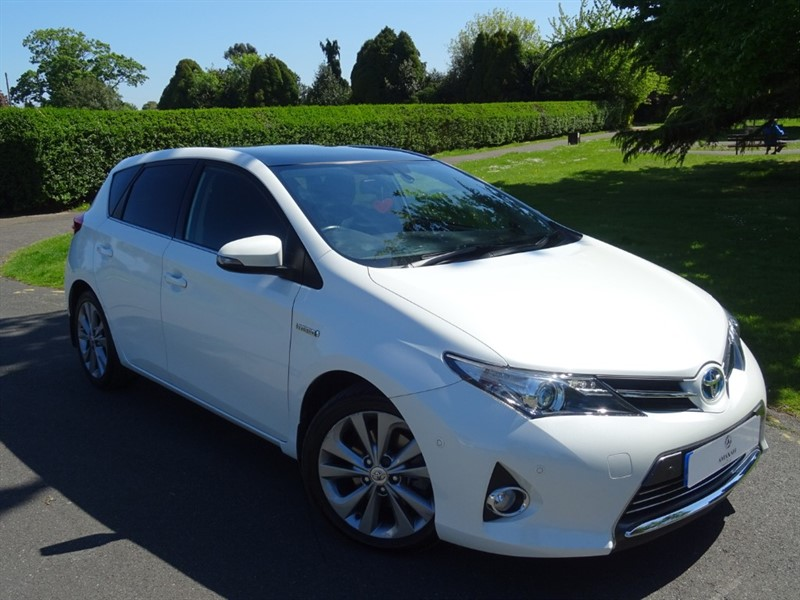 used Toyota Auris VVT-I EXCEL in in-essex