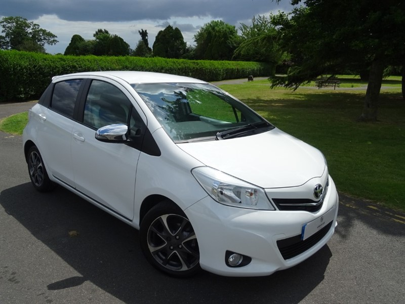 used Toyota Yaris VVT-I TREND in in-essex