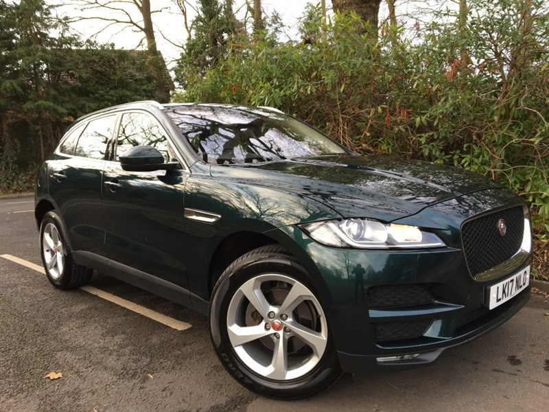 used Jaguar F-Pace PRESTIGE AWD+PANORAMIC SUNROOF+HEADS UP DISPLAY+FORWARD ALERT CRUISE in farnborough-hampshire