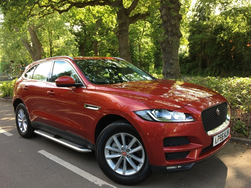 used Jaguar F-Pace PRESTIGE AWD / PANORAMIC SUNROOF+PARALLEL PARK+SIDE STEPS in farnborough-hampshire