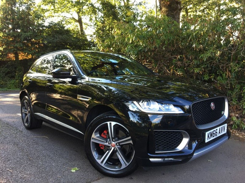 used Jaguar F-Pace V6 S AWD / PANORAMIC SUNSHINE ROOF in farnborough-hampshire