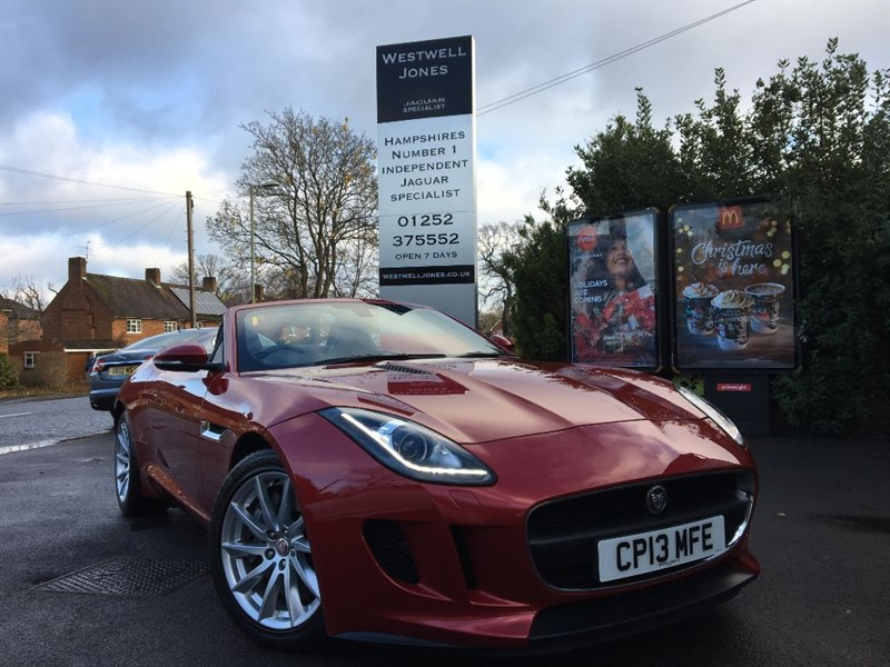 used Jaguar F-Type V6 SUPERCHARGED 340 BHP WITH EXTREMELY LOW MILEAGE in farnborough-hampshire