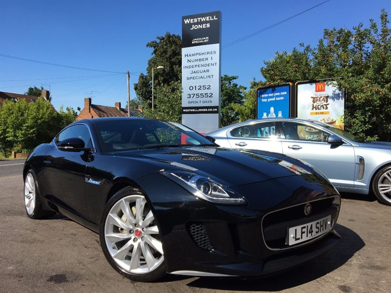 used Jaguar F-Type V6 / GLASS ROOF / LOW MILES in farnborough-hampshire