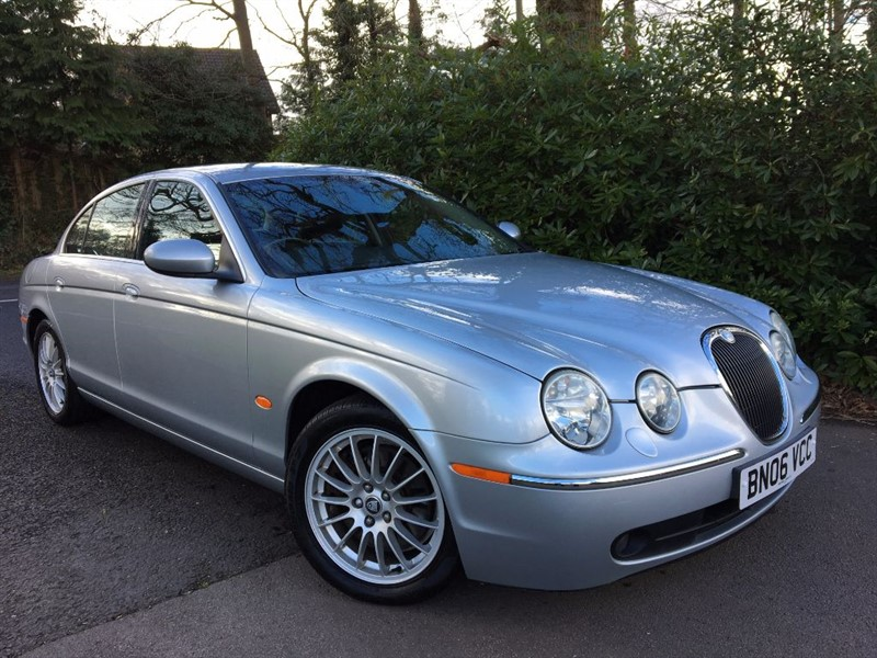 used Jaguar S-Type V6 SE / SAT NAV AND HEATED SEATS in farnborough-hampshire