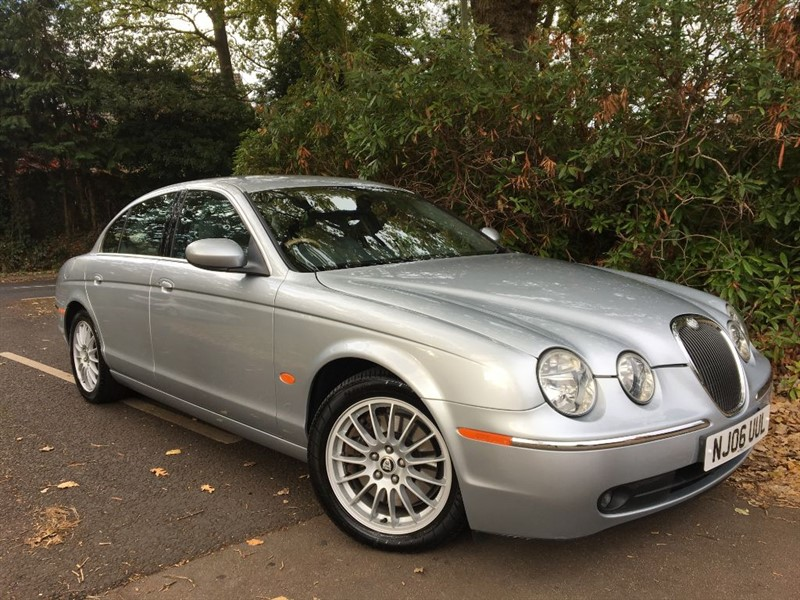 used Jaguar S-Type V6 SE / SAT NAV+PARKING SENSORS in farnborough-hampshire