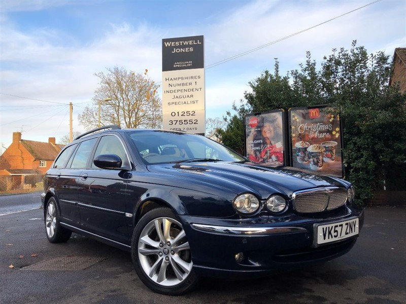 used Jaguar X-Type SE V6 / LOW MILEAGE 4X4 JUST IN TIME FOR WINTER in farnborough-hampshire