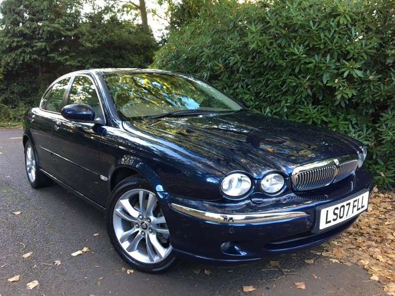 used Jaguar X-Type V6 SE / EXTREMELY LOW MILEAGE EXAMPLE in farnborough-hampshire