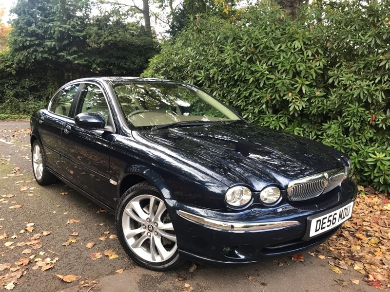 used Jaguar X-Type V6 SE / 4WD ALL YEAR ROUND SAFETY AND GRIP in farnborough-hampshire
