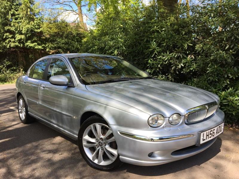 used Jaguar X-Type V6 SE / SAT NAV+HEATED SEATS+CD MULTI CHANGER in farnborough-hampshire