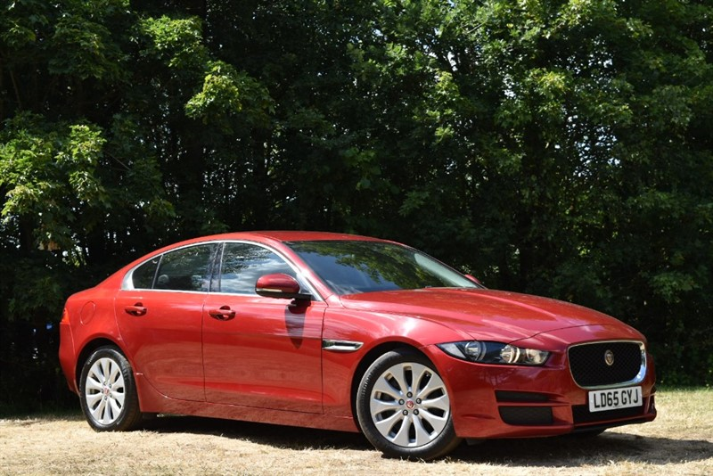 used Jaguar XE PRESTIGE+SAT NAV+REVERSING CAMERA+HEATED SEATS in farnborough-hampshire
