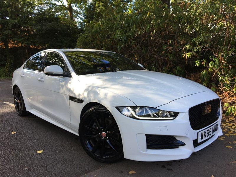 used Jaguar XE R-SPORT+OVER 50K NEW+PANO ROOF+HEADS UP+BLACK PACK+BIGGEST SPEC IN THE UK in farnborough-hampshire