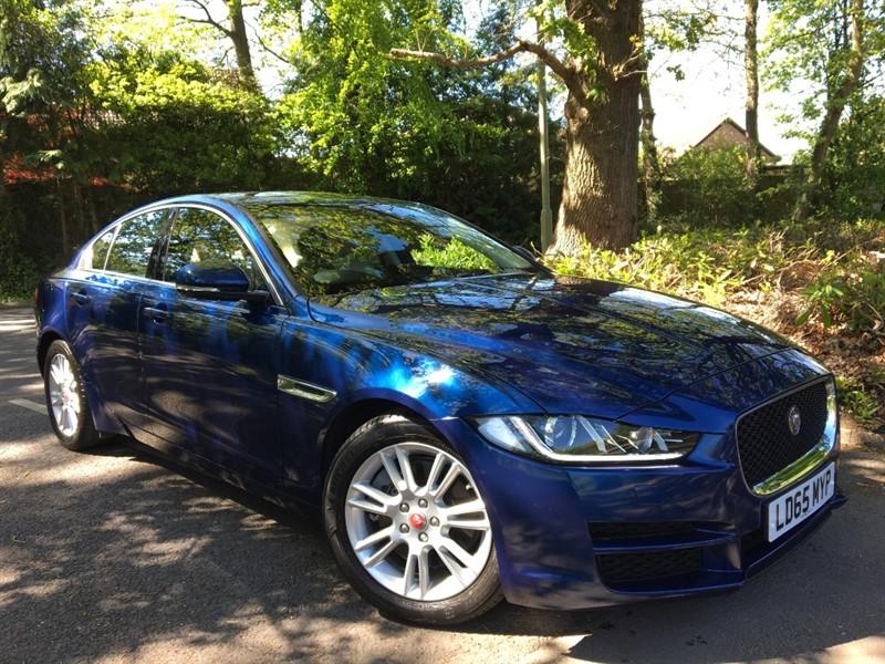 used Jaguar XE PRESTIGE 200 BHP PETROL+STUNNING COLOUR COMBINATION in farnborough-hampshire