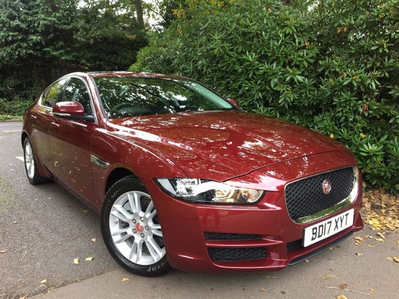 used Jaguar XE GTDI PRESTIGE / PANORAMIC SUNROOF AND REVERSING CAMERA in farnborough-hampshire