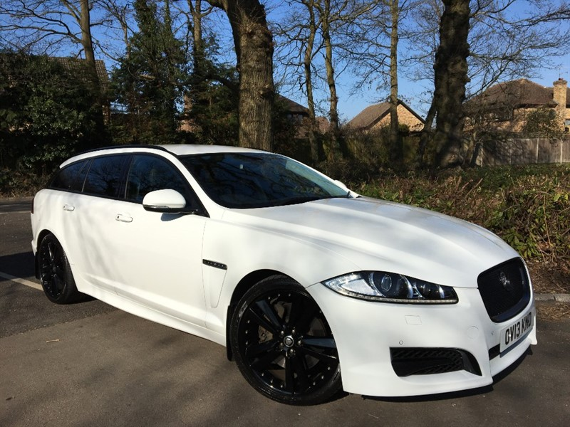 used Jaguar XF D V6 S 275 BHP PORTFOLIO SPORTBRAKE+BLIND SPOT MONITOR in farnborough-hampshire