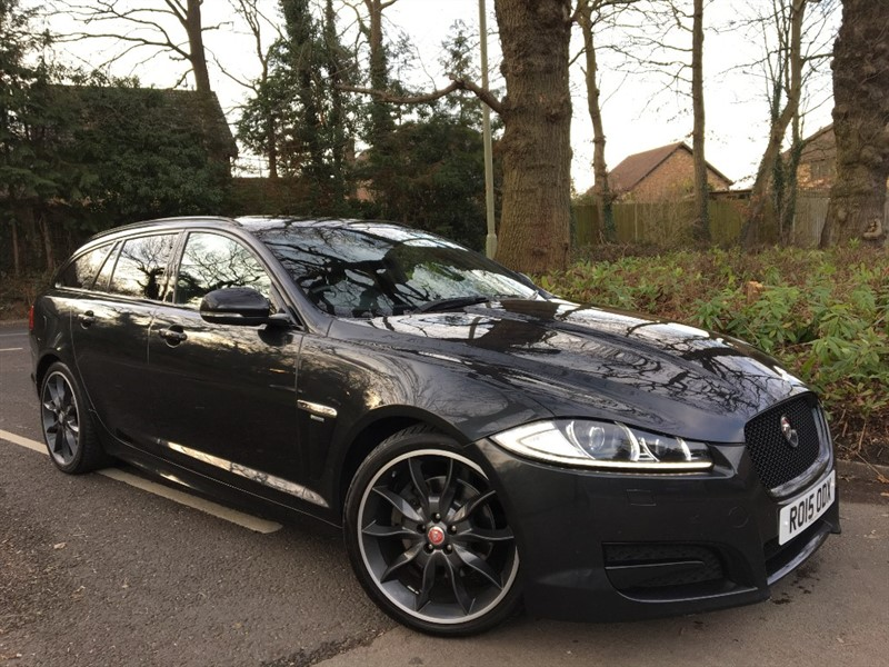 used Jaguar XF D R-SPORT BLACK SPORTBRAKE+1 PRIVATE OWNER FROM NEW in farnborough-hampshire