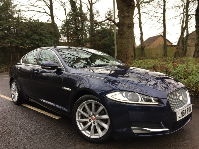 used Jaguar XF D PREMIUM LUXURY+HUGE SPECIFICATION in farnborough-hampshire