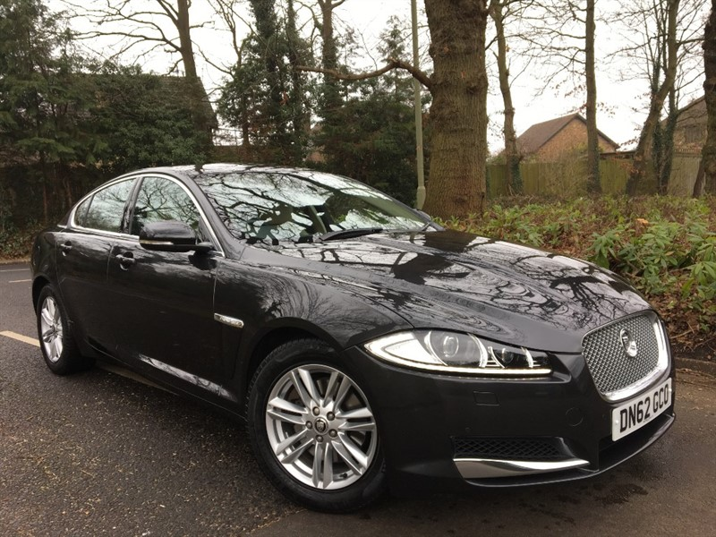 used Jaguar XF D LUXURY+LOW MILEAGE AND REVERSING CAMERA AND DAB RADIO in farnborough-hampshire