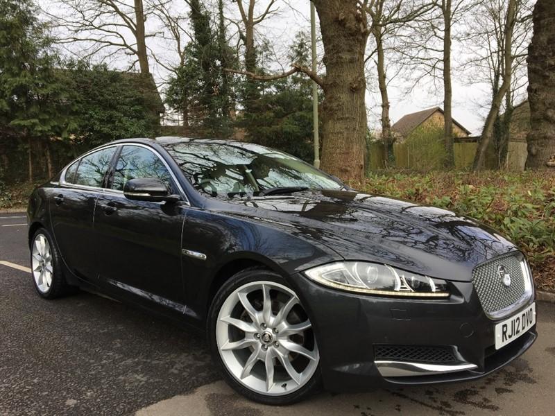 used Jaguar XF V6 PORTFOLIO 240 BHP+NEW SHAPE CAR+CARBON FIBRE VENEERS in farnborough-hampshire