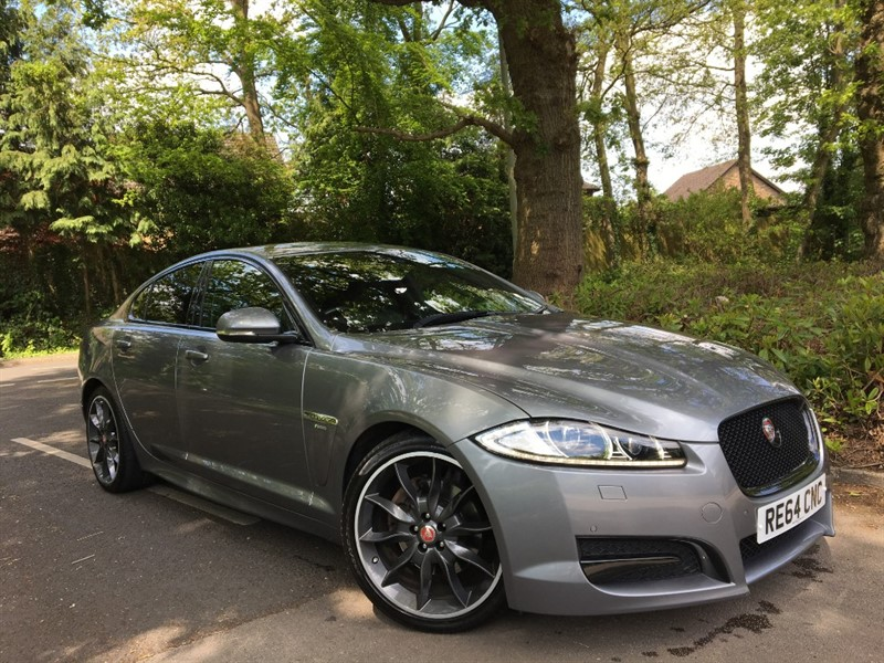 used Jaguar XF D R-SPORT+FULL LEATHER AND EXTERIOR BLACK PACK in farnborough-hampshire