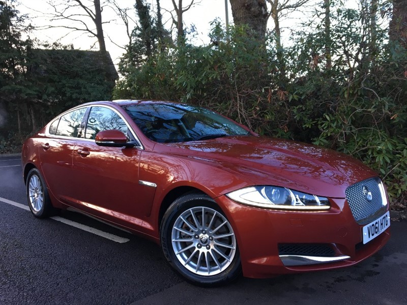 used Jaguar XF D LUXURY 190 BHP / SAT NAV AND BLUETOOTH in farnborough-hampshire