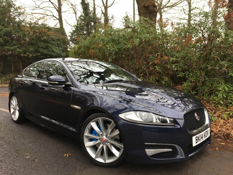 used Jaguar XF D V6 S PORTFOLIO 275 BHP / SUNROOF AND BLIND SPOT MONITOR in farnborough-hampshire