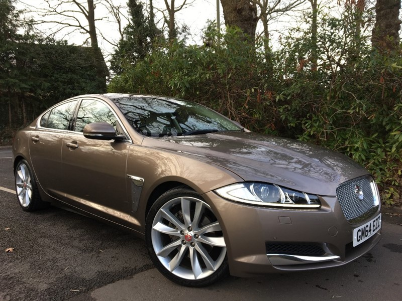 used Jaguar XF D V6 PORTFOLIO / TOP OF THE RANGE in farnborough-hampshire