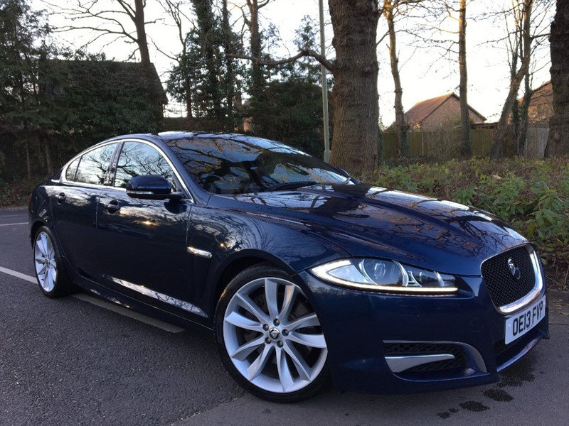used Jaguar XF D V6 S PORTFOLIO 275 BHP / REVERSING CAMERA in farnborough-hampshire